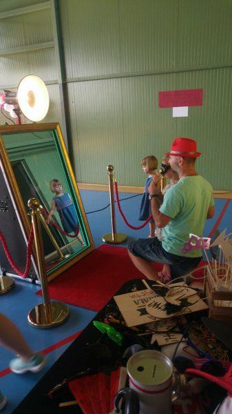 Magiczne lustro w podstawówce
